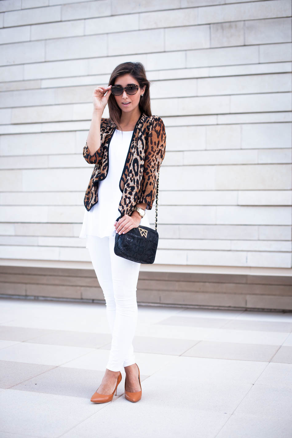 The perfect all white Fall ensemble