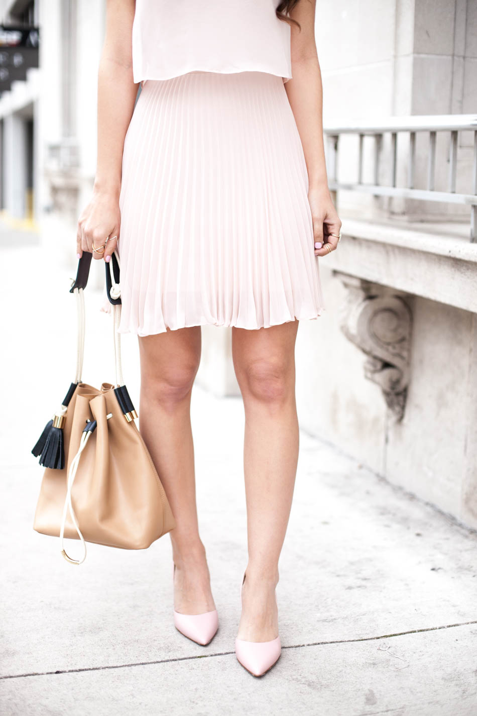 girly chic outfit details