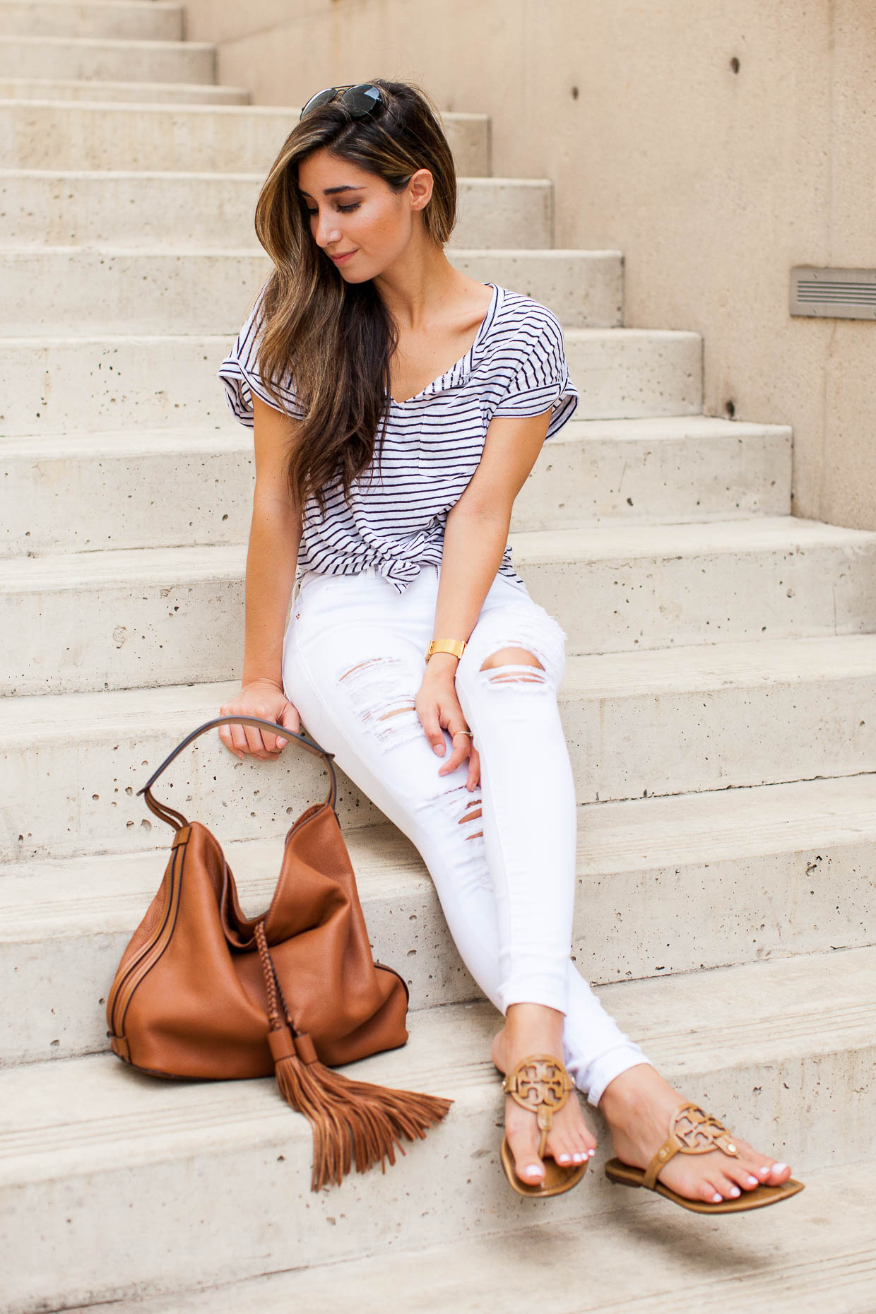 a930d36ed03 Fashion Blogger The Darling Detail wearing Stem Split Neck Tee and FRAME   Le Color  Skinny Jeans with Rebecca Minkoff Isobel Hobo and Tory Burch   Miller  ...