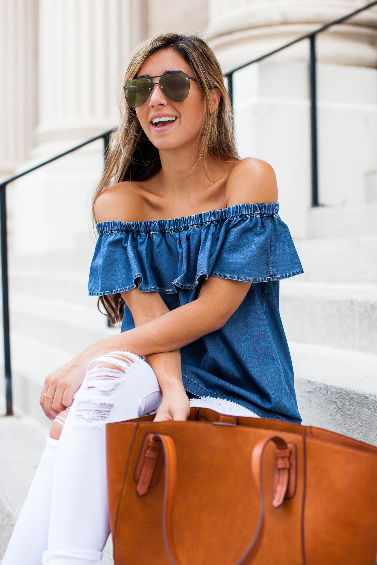 The Darling Detail is wearing a Chelsea28 Off the Shoulder Chambray Top, 'Le Color Rip' Skinny Jeans, 'The Prince' 57mm Sunglasses, and sporting a Sole Society Faux Leather Trapeze Tote.