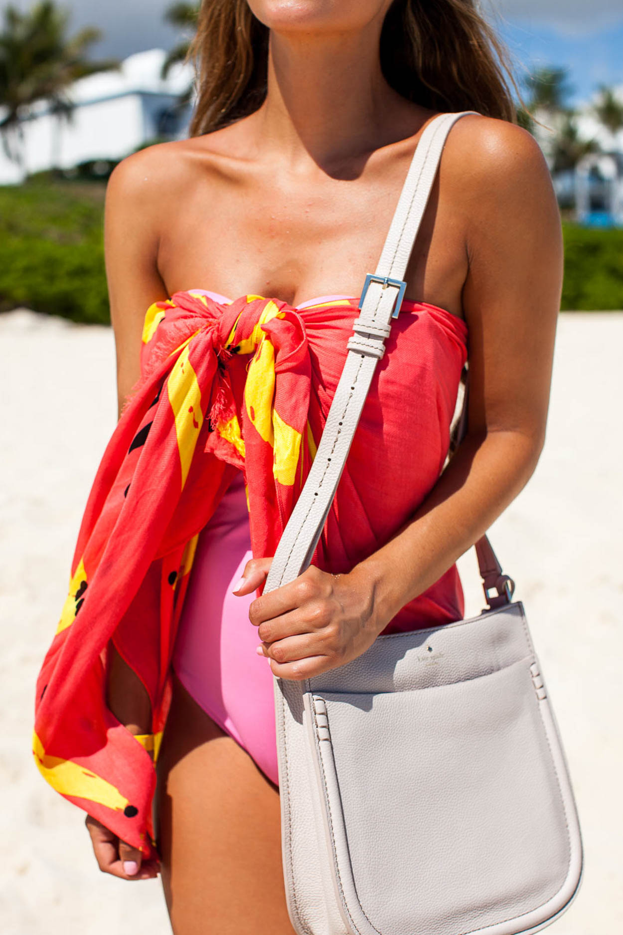 Fashion blogger The Darling Detail wears Kate Spade New York in the Bahamas