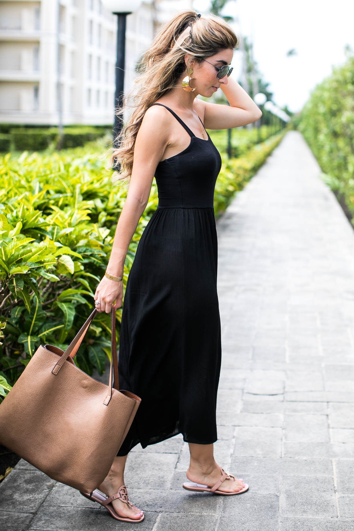 Fashion blogger The Darling Detail wears Lush Gauze Gaucho Jumpsuit, After Dark Knocker Earring, Tory Burch Miller Flip Flop, Brixton Johanna Straw Hat, BP. Mirrored Aviator 57mm Sunglasses, Street Level Reversible Faux Leather Tote, and Petite Albion Ring with Morganite and Diamonds